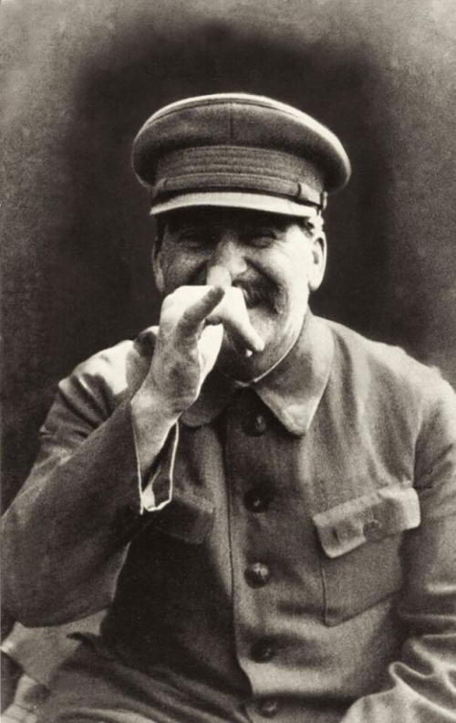 MTg1OTkzMQ8686historical-photos-pt7-joseph-stalin-goofing-around